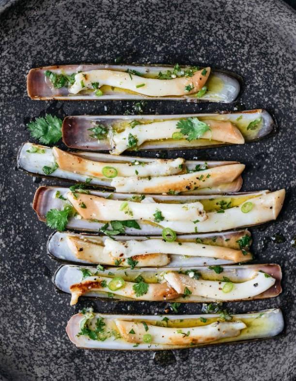 Garlic Butter Razor Clams